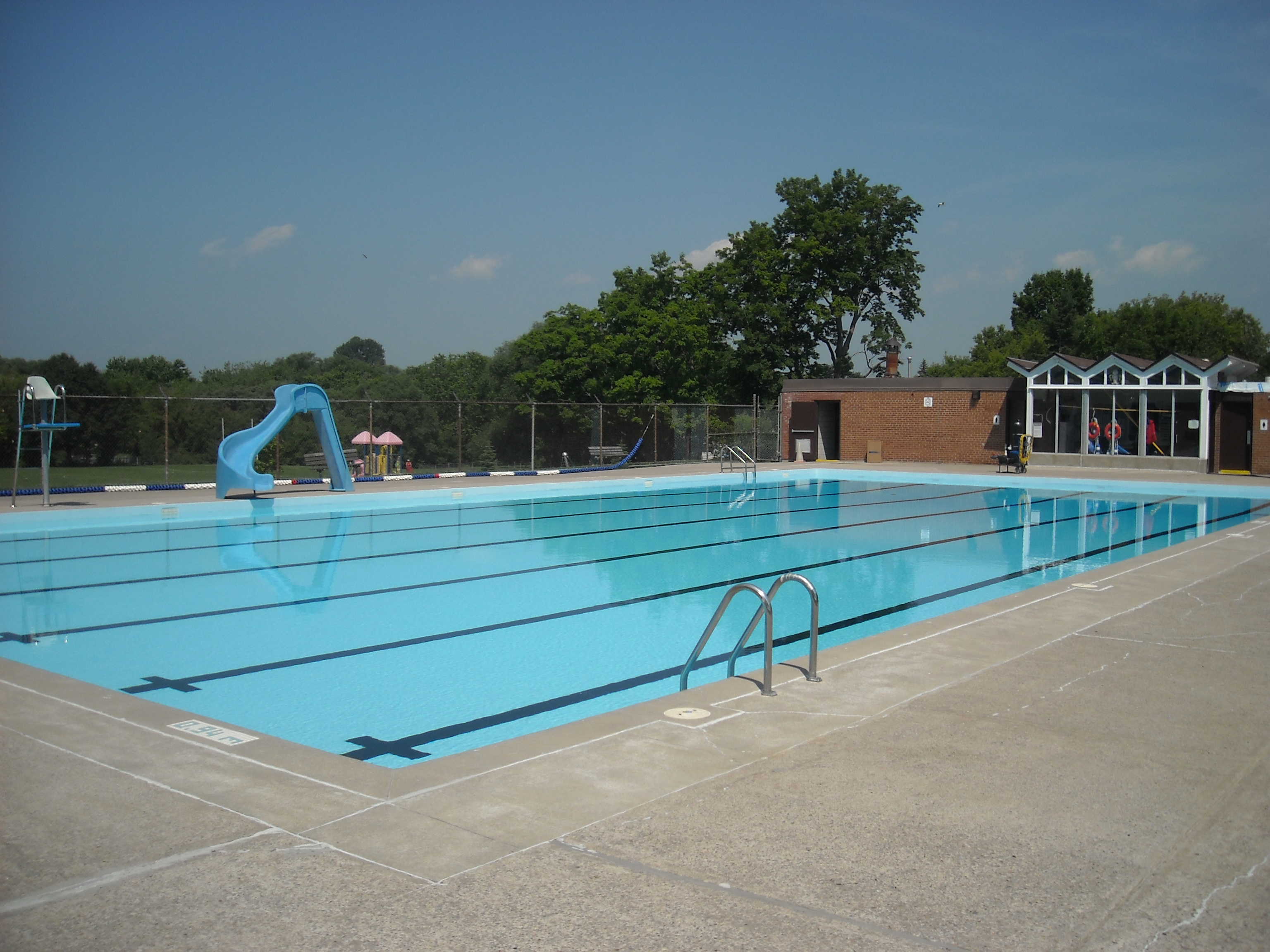 Rotary Outdoor Pool.jpg